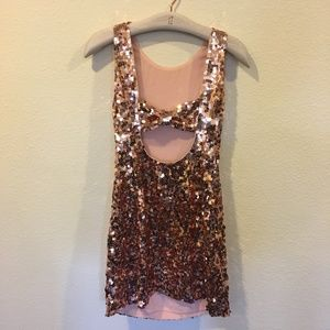 kate spade Dresses - NWT Kate Spade sequin bow back dress